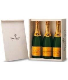 Champagne Viuda Clicquot Madera 3 Bot.